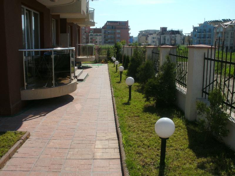 35907Студии/ 8  Апартаменты/12 в комплексе Несебр (Болгария).